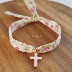 Bracelet croix émaillée rose
